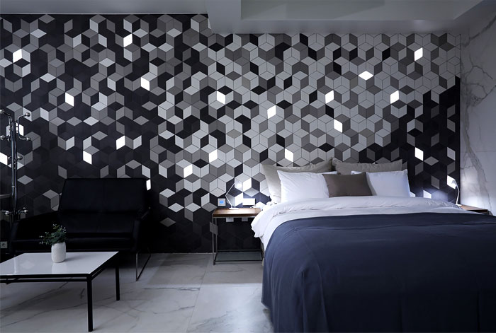 snow-hotel-dark-decor-bedroom