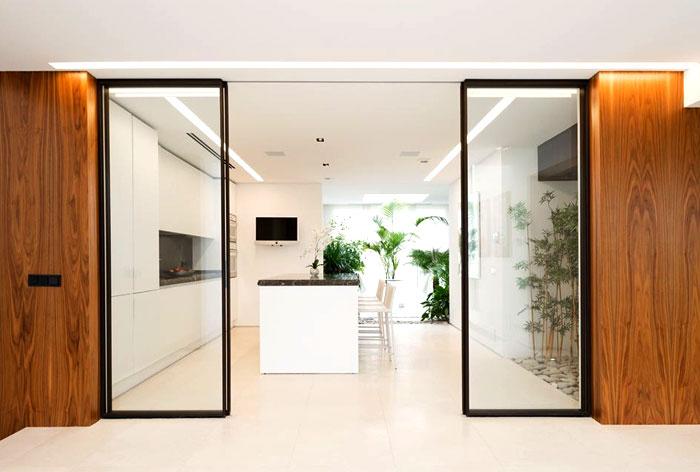 white-clear-lined-interior-russian-villa