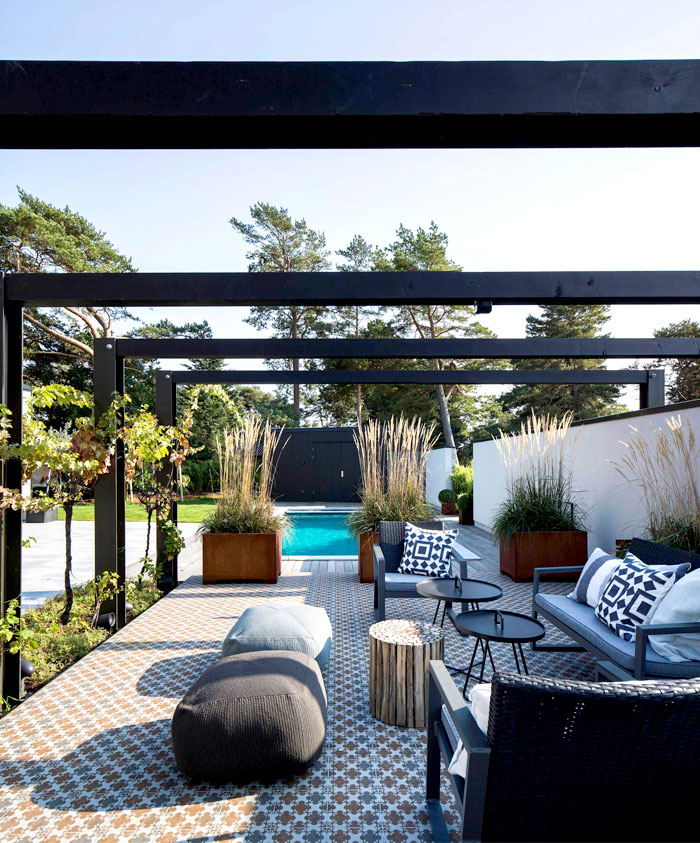 graphic-upholsterie-patio-furniture-2
