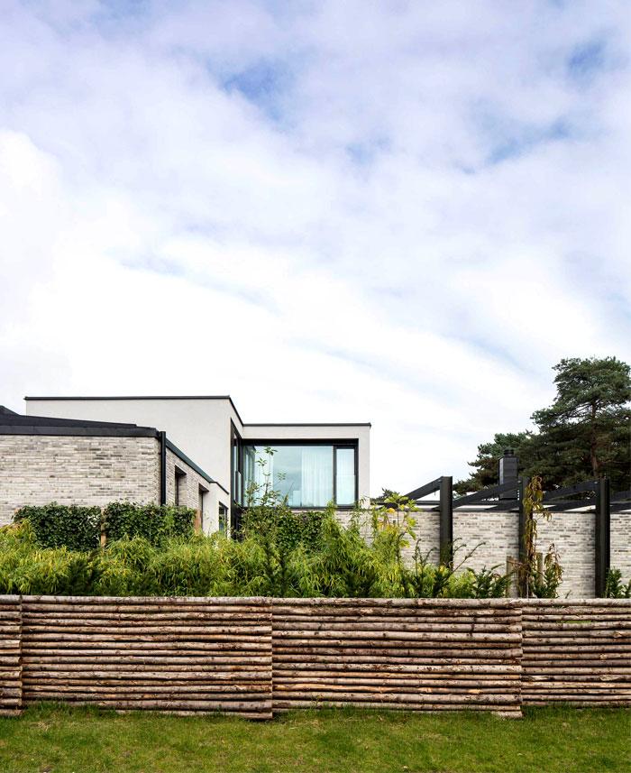 modern-elegant-functional-villa-j