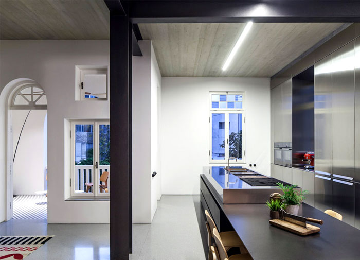 polished-stainless-steel-kitchen-unit