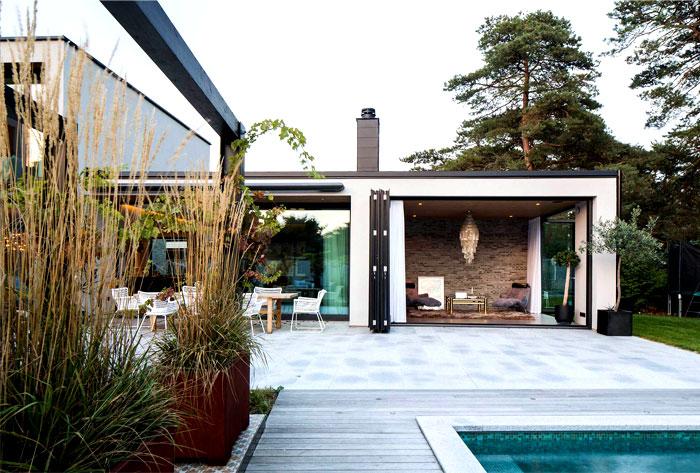 pool-house-garden