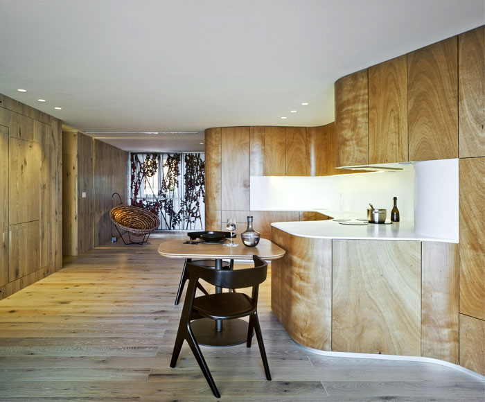light-wood-curved-kitchen