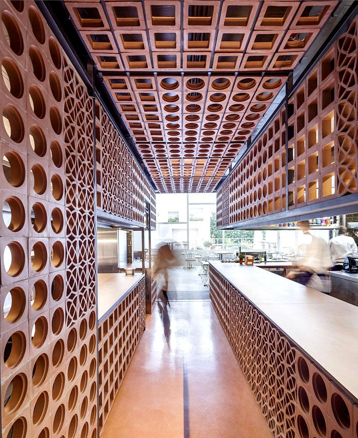 beautiful ceramic lattice like ornaments 1