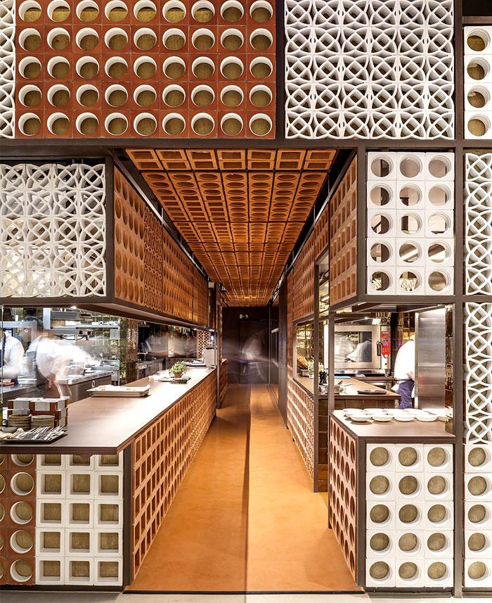 beautiful ceramic lattice like ornaments 2