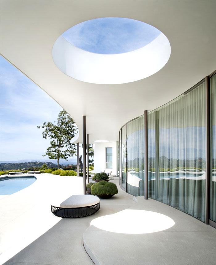 contemporary-la-mansion-circular-elements