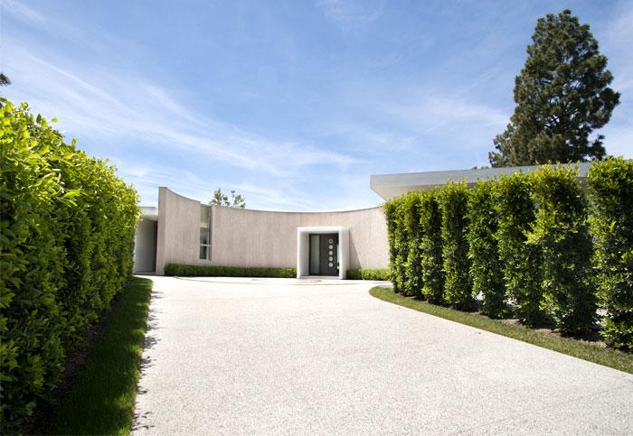 contemporary-la-mansion