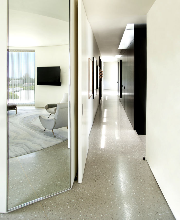 luxurious-full-light-bedroom-interior-2