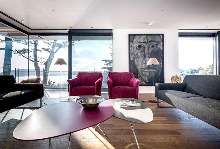 minimalistic-cubical-three-floor-house-5