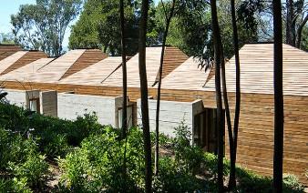 pyramidal roof villa 338x212
