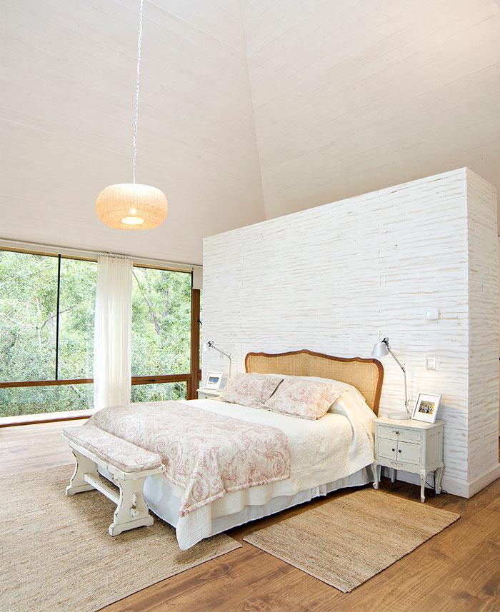 stylish white beige caramel bedroom decor