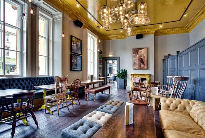 exaggerated-furnishings-restaurant-floor