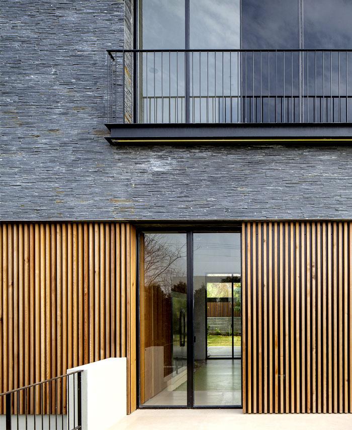 basalt-slabs-dark-stone-ns-residence