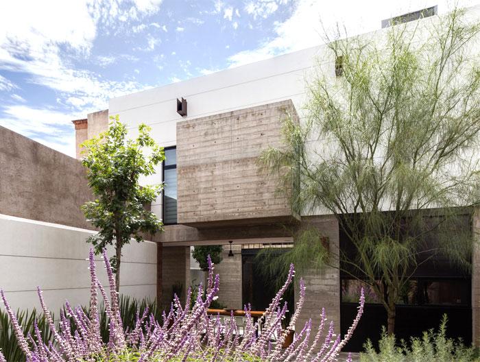 innovative contemporary house urban center 3