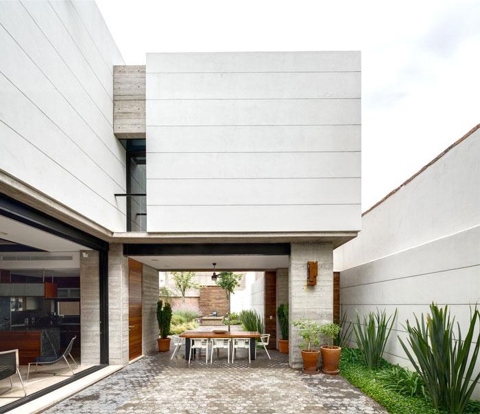 innovative contemporary house urban center 4