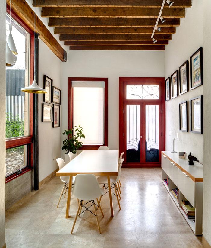 innovative contemporary house urban center