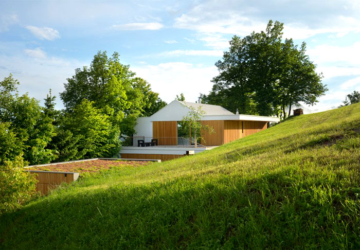 multiplan-architects-elegant-house-modern-life-serenity-nature-2