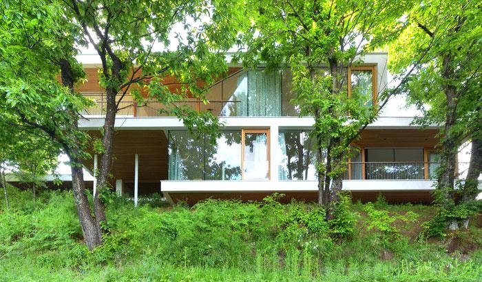 multiplan-architects-elegant-house-modern-life-serenity-nature-3