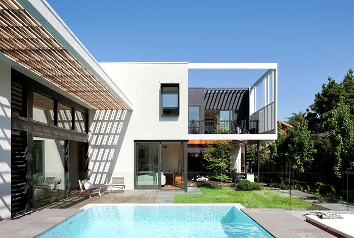contemporary house located australia 12