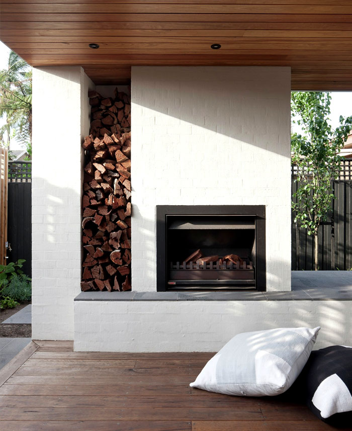 contemporary house located australia 16