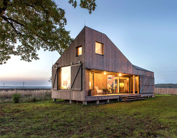 contemporary wooden house zilvar 1