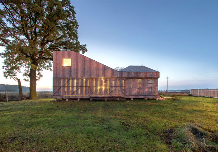 contemporary wooden house zilvar 12