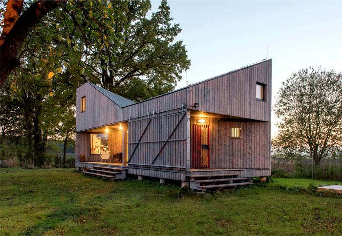 contemporary wooden house zilvar 13