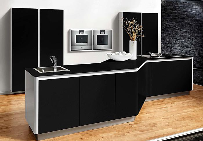 black-kitchen-beek