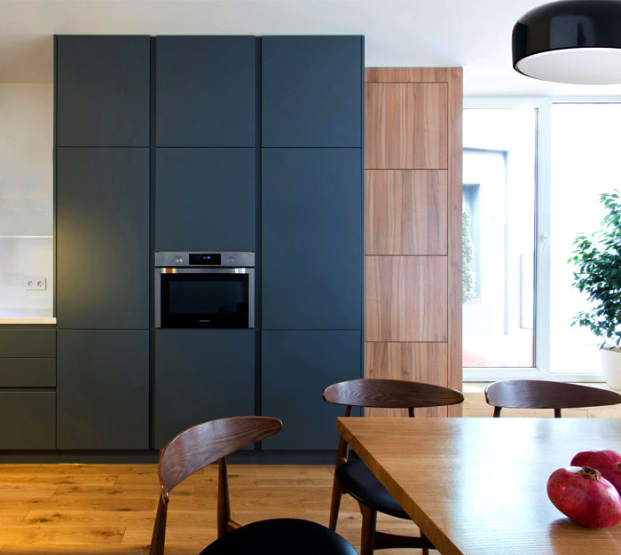 functional-stylish-apartment-located-kiev-1