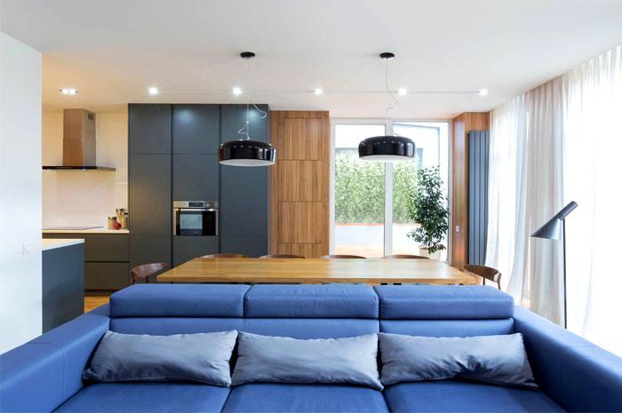 functional-stylish-apartment-located-kiev-2