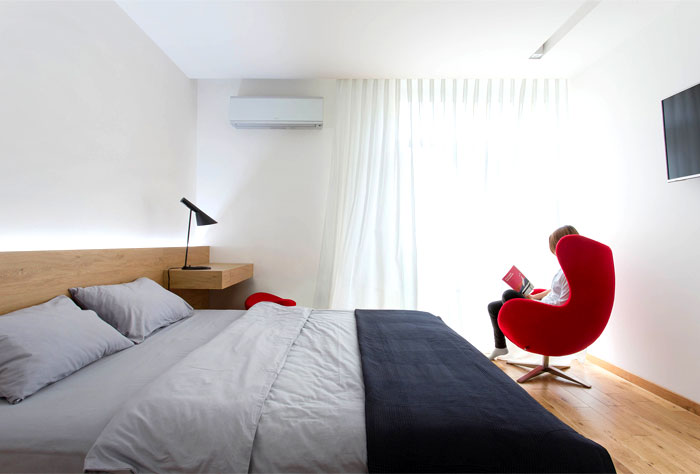 functional-stylish-apartment-located-kiev-5