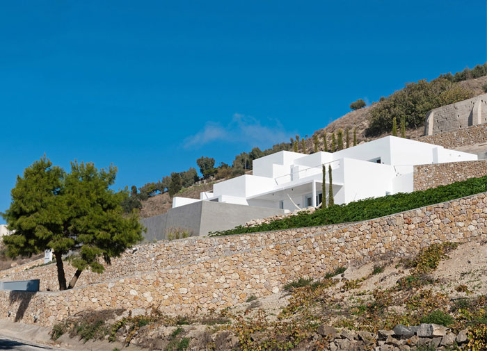 holiday-home-santorini-island-13