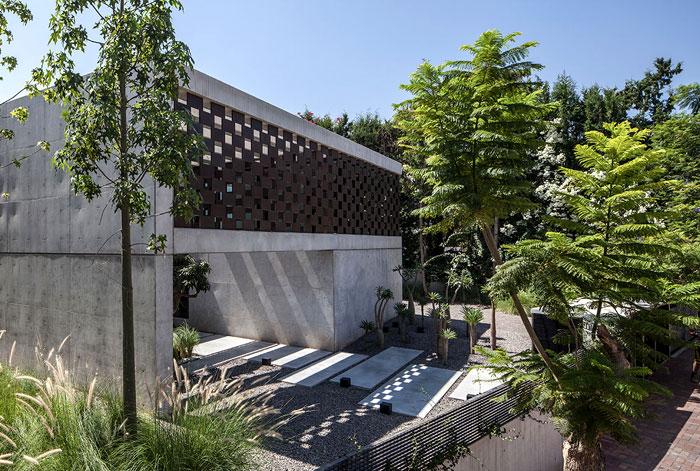 israeli studio pitsou kedem corten house 1
