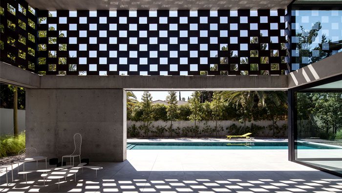 israeli studio pitsou kedem corten house 17