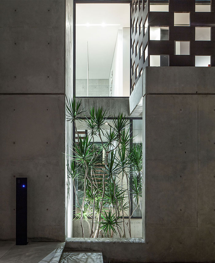 israeli studio pitsou kedem corten house 21