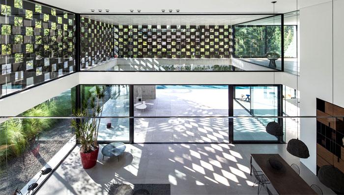 israeli studio pitsou kedem corten house 22