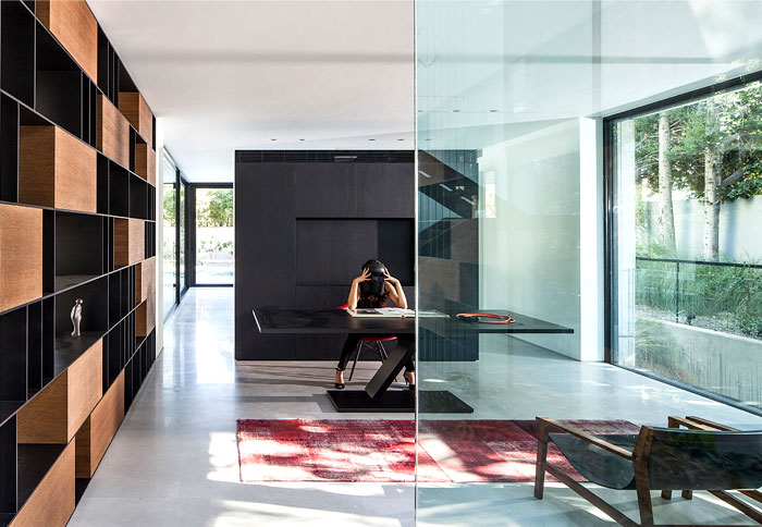 israeli studio pitsou kedem corten house 5
