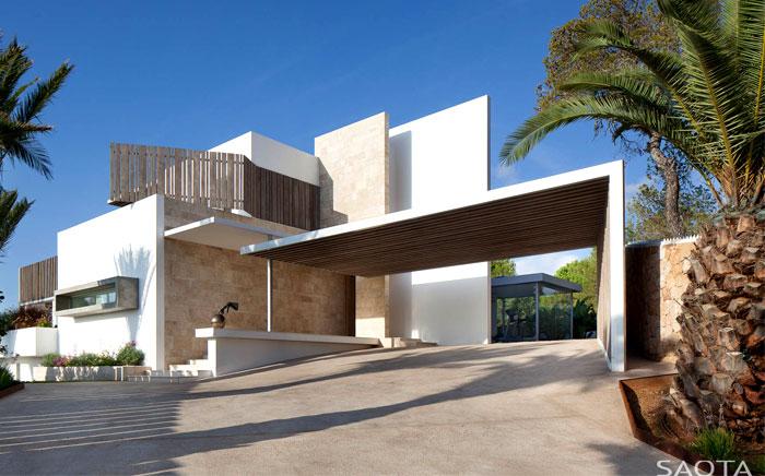 three-level-spanish-style-house-1