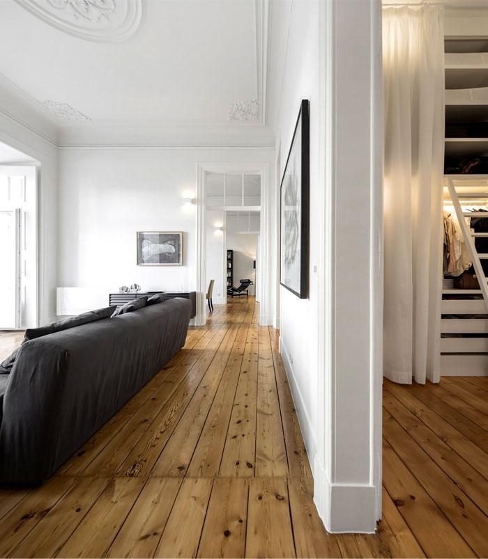 rar studio 19 th century apartment 8