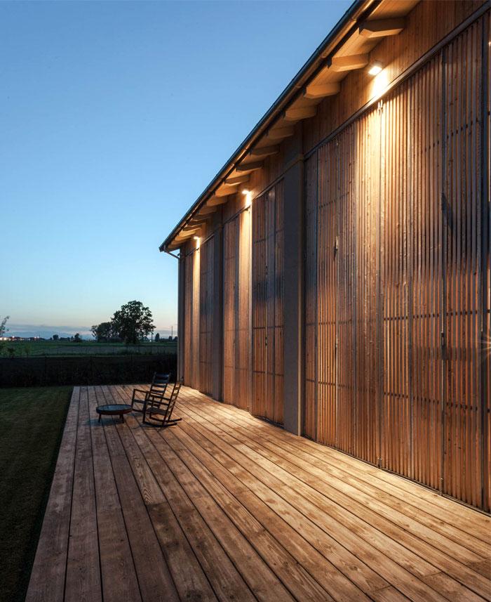 renewed-barn-house-italy-1