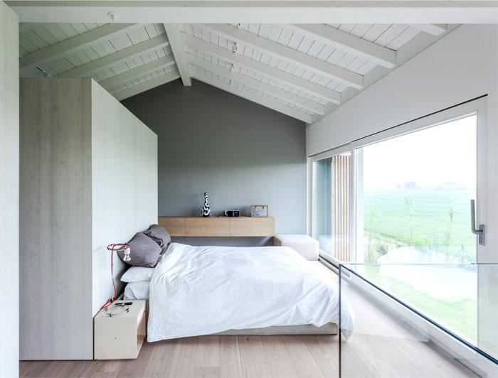 renewed-barn-house-italy-5