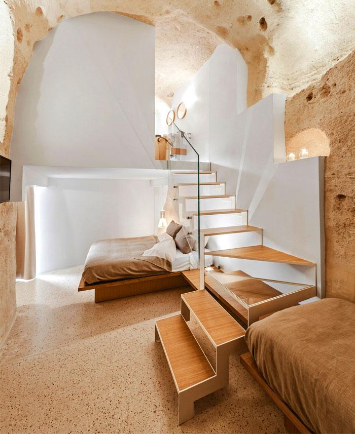cave decor hotel matera
