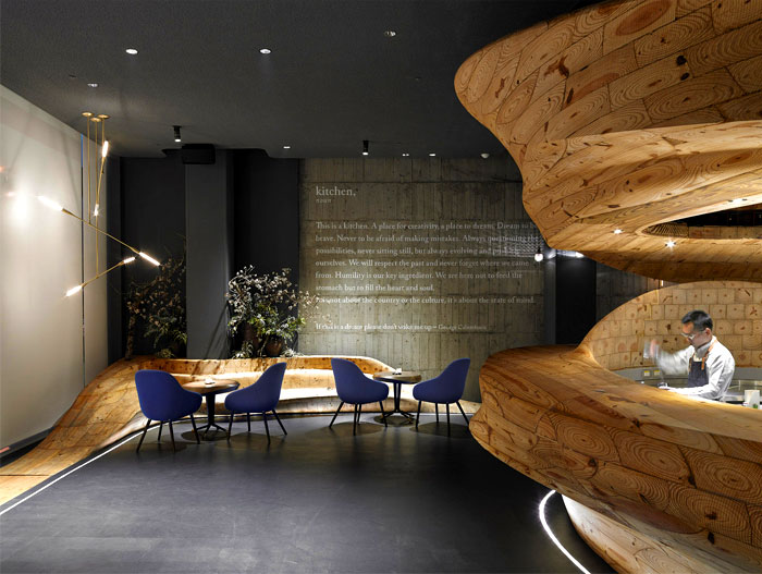 organically-sculptured-wooden-decor-raw-restaurant-4