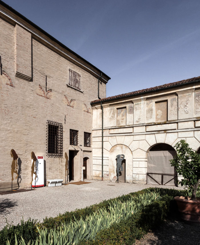trendy-modernism-palazzo-ducale-mantova-8