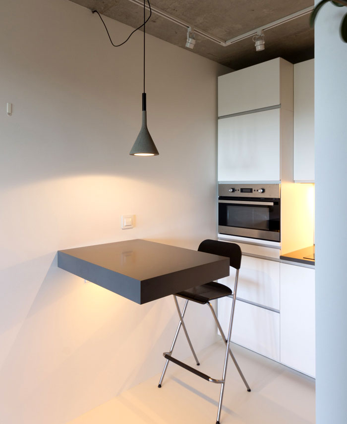 small-contemporary-apartment-moscow-2