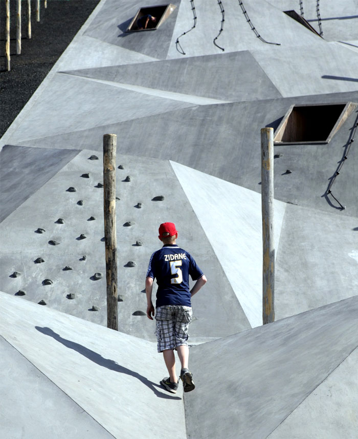 design-adventurous-play-scape-landmark-12
