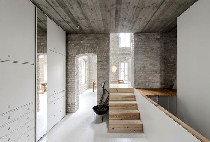old-building-berlin-asdfg-architekten-12