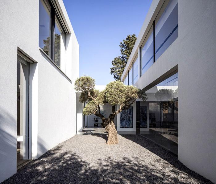 f house pitsou kedem architects 12