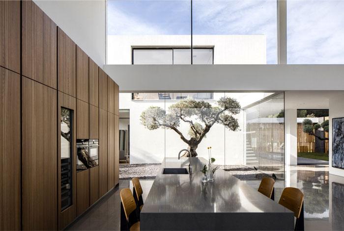 f house pitsou kedem architects 28