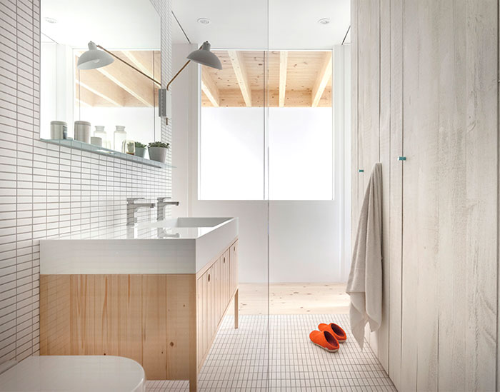 la-shed-architecture-clark-house-montreal-canada-6